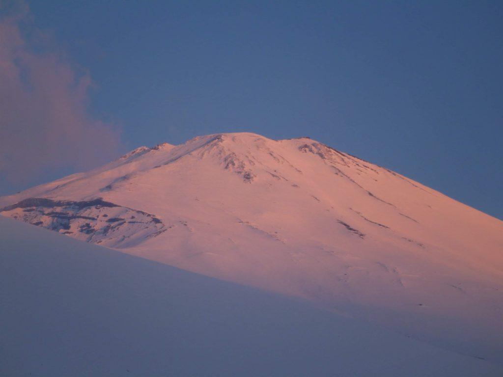 Happy New year FUJI 2020 富士山双子山で迎えるご来光コース |