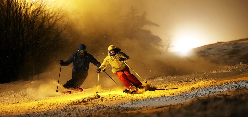 Furano「ミッドナイトSki2020」| 北海道(富良野スキー場)