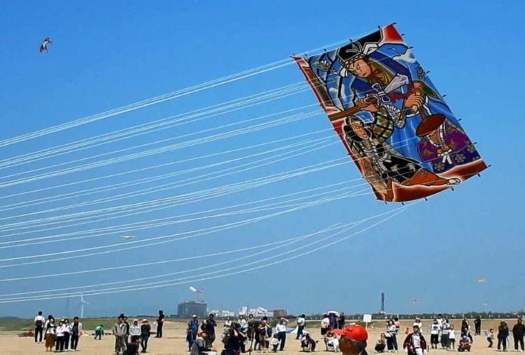 世界の凧の祭典 | 石川(灘海水浴場)