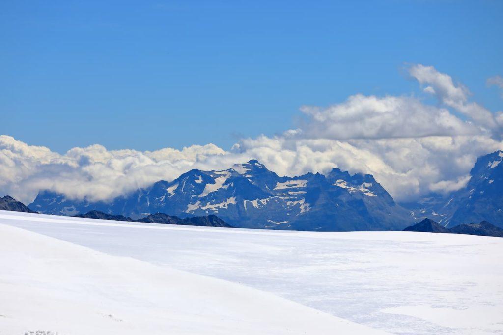 雪山登山 滋賀県最高峰「伊吹山」| 滋賀県